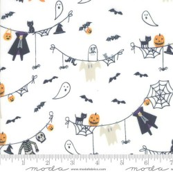 Spooky Clothesline - CREAM