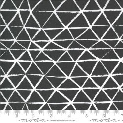Rustic Triangle -CHARCOAL
